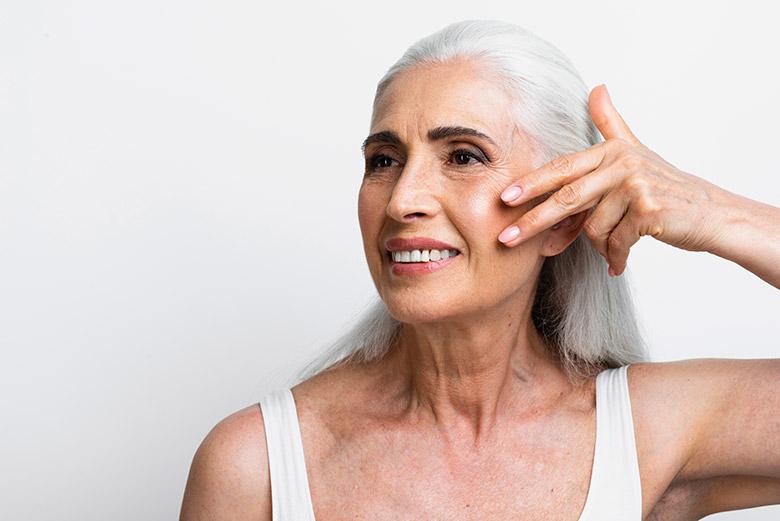 Πως επηρεάζουν το δέρμα ανάλογα με την ηλικία Συσχέτιση του φαινομένου του γήρατος με την ορμονική έκκριση του οργανισμού